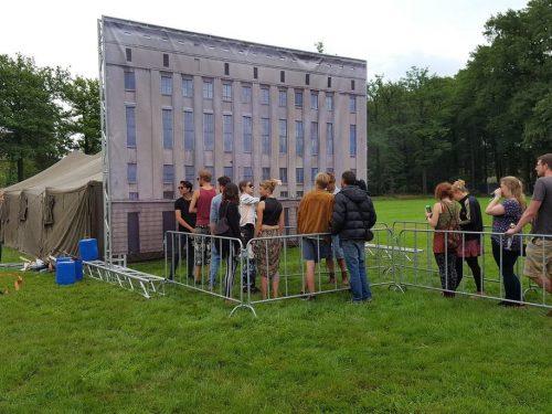 Namiot Berghain na holenderskim festiwalu. Nikogo nie wpuszczono