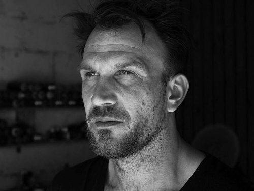 Bart Sucharski: Dziś najchętniej wybieram street-art – wywiad
