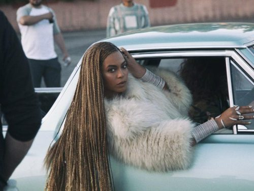Uniwersytet otwiera studia z czarnego feminizmu Beyoncé