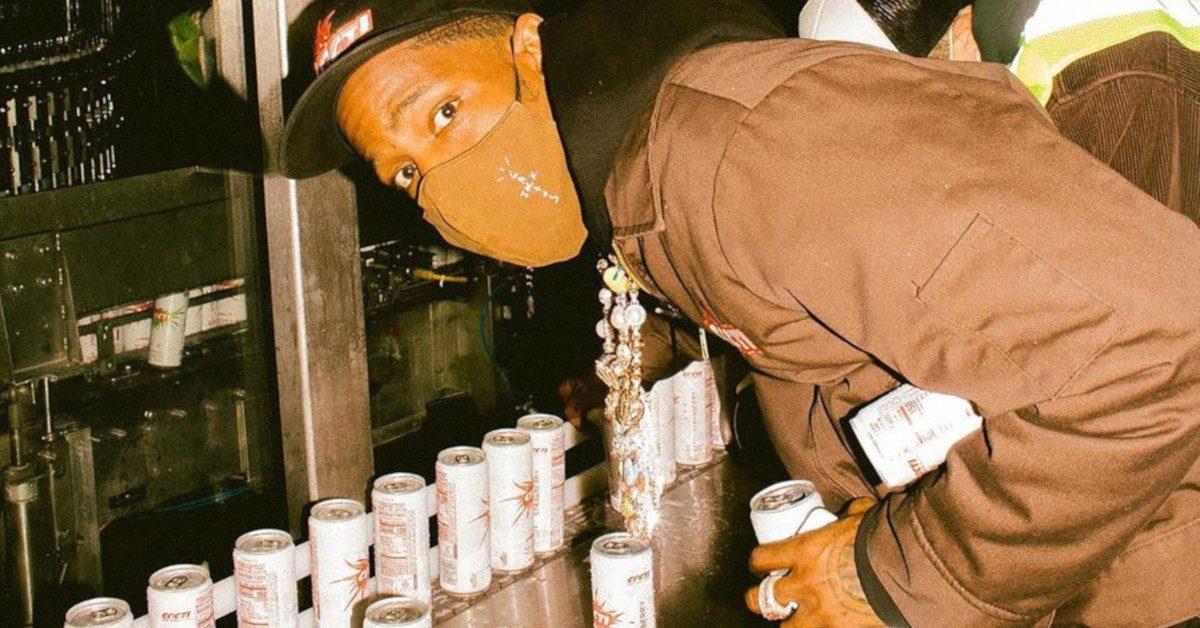 Merch napoju alkoholowego Travisa Scotta CACTI w sprzedaży!