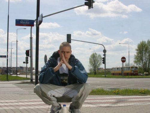 """Bedoes, Pezet i Otsochodzi promują reedycję """"Gdzie jest Eis?"""" Dlaczego ta płyta jest tak ważna dla polskiego hip-hopu?"""