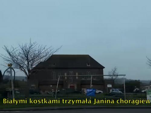 """""""Białymi kostkami trzymała Janina chorągiew"""" – sprawdź, o co chodzi w nowym singlu IDLES"""