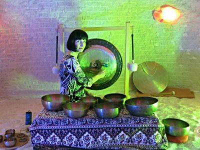 ,,Kąpiel w dźwiękach mis i gongów