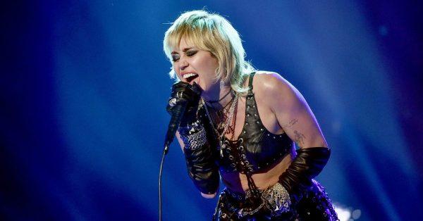 Miley Cyrus wystąpi podczas tegorocznego Super Bowl