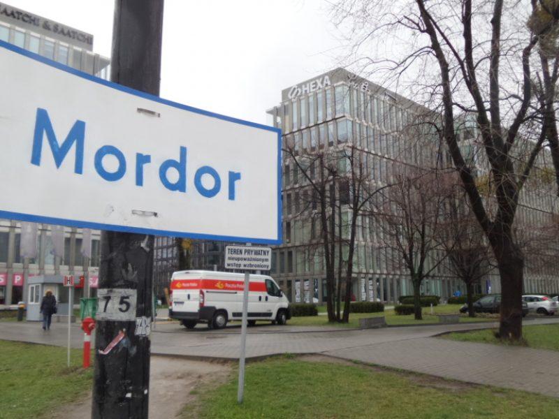 Mordor stanie się oficjalną nazwą części Warszawy? Chce tego… Sauron