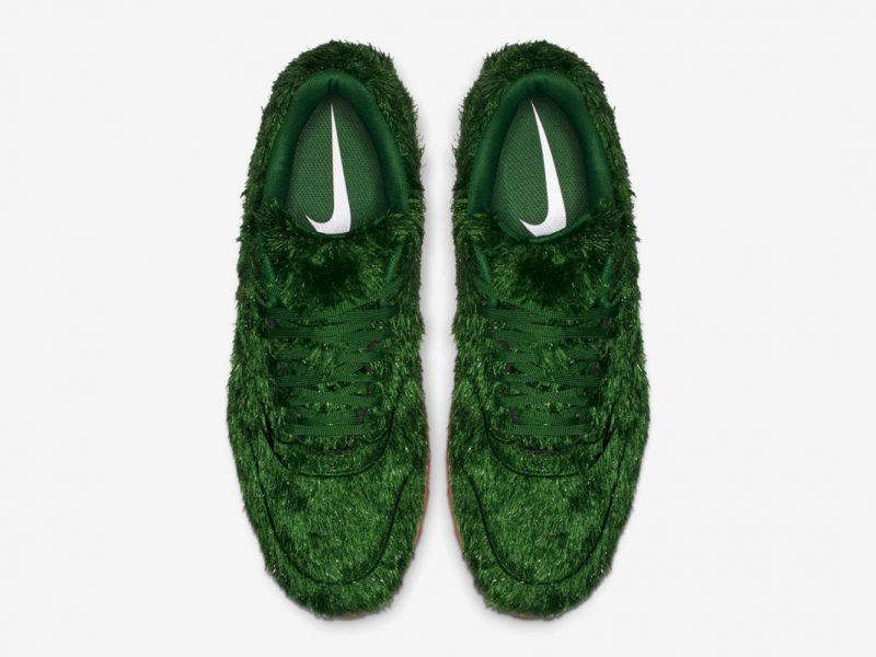NIKE wypuszcza buty całe w trawie!