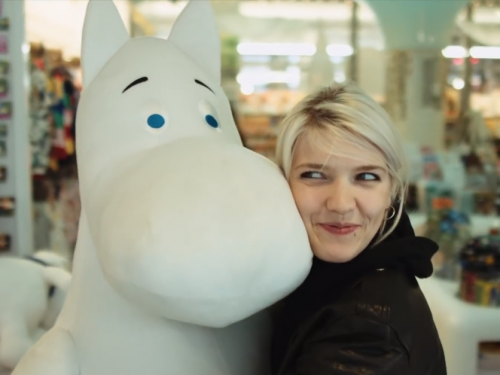 Daria Zawiałow prezentuje teledysk z Helsinek