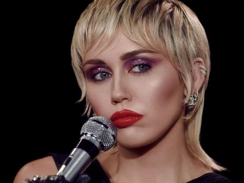 Miley Cyrus szykuje utwory z Justinem Biebierem i Markiem Ronsonem