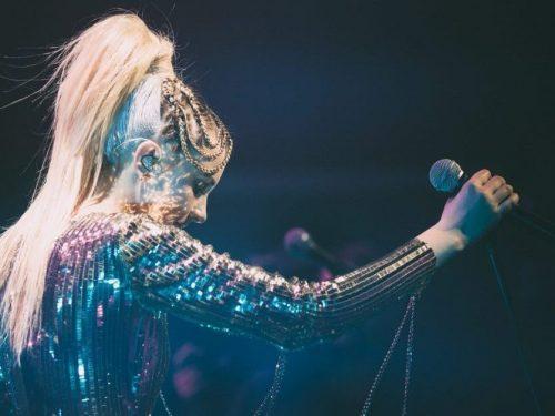 """Natalia Nykiel udostępnia wideo z trasy """"Error Tour"""""""
