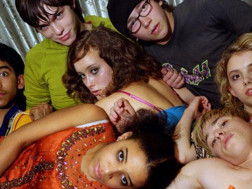 Dzisiejsze nastolatki piją i palą mniej niż kiedykolwiek