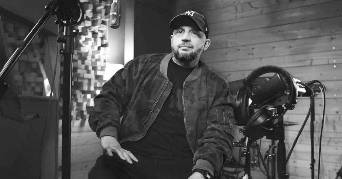 """Peja ujawnia datę premiery """"Black Album"""" i jego okładkę [aktualizacja]"""