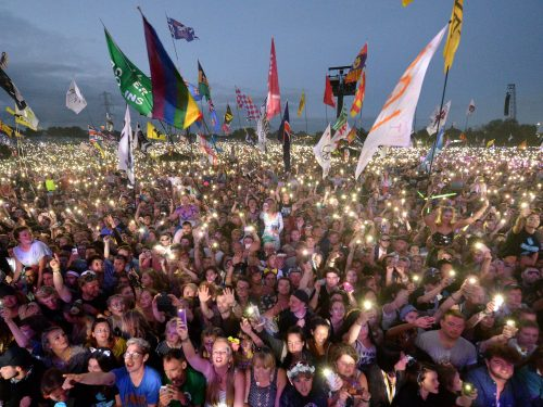 Plastikowa scena na festiwalu Glastonbury