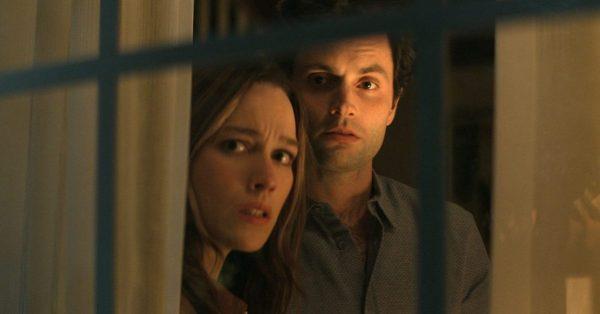 """Październik 2021 na Netflix: powrót """"Ty"""", """"Locke & Key"""", maratony """"The Office"""" i """"Kronik Seinfelda"""", polski film """"Hiacynt"""""""