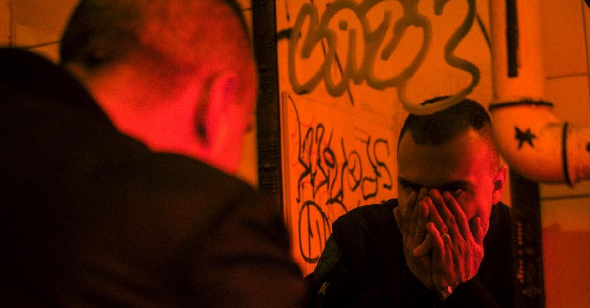 """Sarius jest """"Uparty i Wściekły"""". Raper prezentuje nowy kawałek i zdradza datę premiery albumu """"Antihype 2"""""""