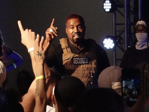 Co słychać u Kanye Westa? Raper zmienia tytuł albumu i organizuje pierwszy wiec wyborczy