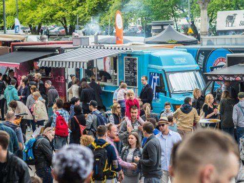 Żarcie Na Kółkach: Food trucki na Stadionie Narodowym